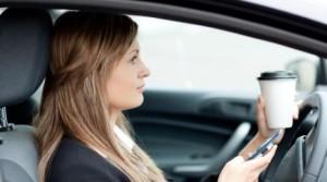 Evitar distracciones al volante